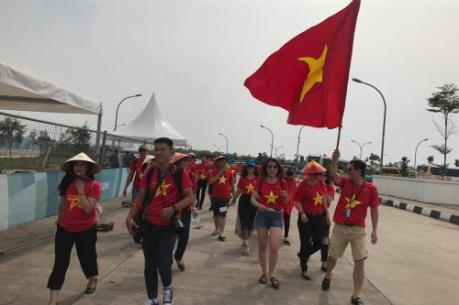 Người hâm mộ tiếp lửa cho đội tuyển Olympic Việt Nam