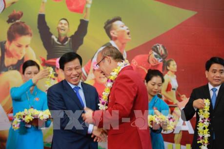 ASIAD 2018: Người dân hân hoan đón chào Đoàn thể thao Việt Nam trở về