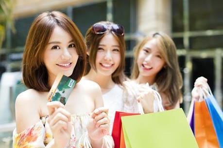 Nhiều ưu đãi khi dùng thẻ HDBank mua sắm trên Lazada