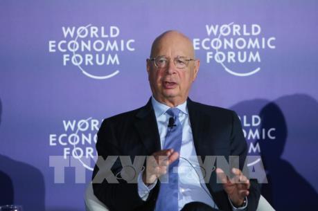 WEF ASEAN 2018: Bộ trưởng Bộ KHCN tiếp Chủ tịch điều hành Diễn đàn kinh tế thế giới