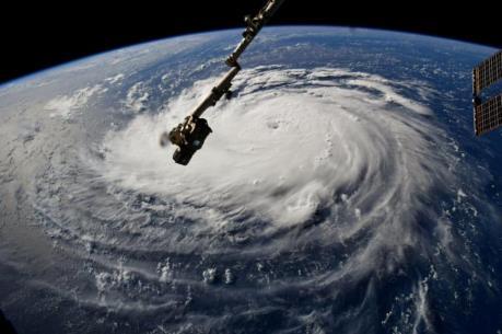 Ảnh hưởng siêu bão Florence, nhiều bang của Mỹ ban bố tình trạng khẩn cấp
