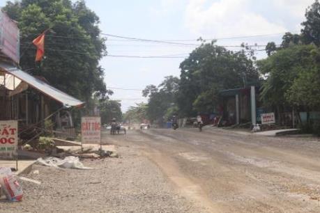 """Khó khăn về mặt bằng, dự án Quốc lộ 12B qua Ninh Bình thi công """"cầm chừng"""""""