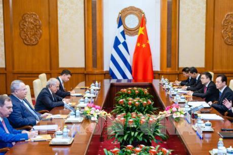 Mỹ cạnh tranh với Nga và Trung Quốc tại Hy Lạp