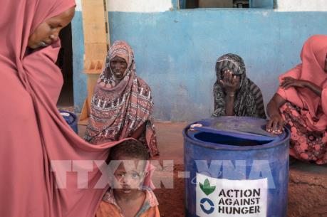 """Tham nhũng đe dọa """"giấc mơ"""" xóa đói, giảm nghèo của châu Phi"""