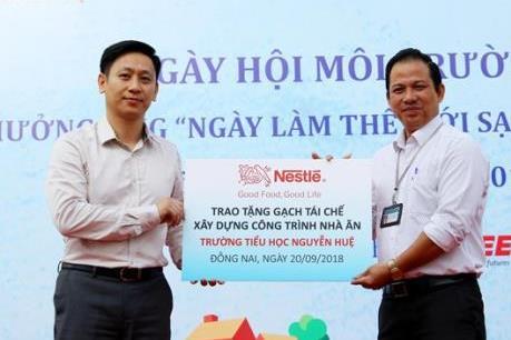 Nestlé Việt Nam xây trường học bằng gạch làm từ cát thải lò hơi