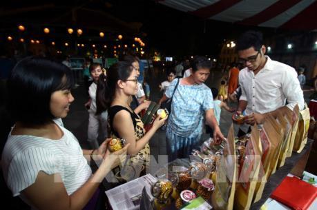 Quảng bá văn hóa du lịch Hưng Yên tại phố đi bộ Hồ Gươm