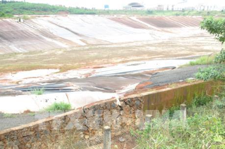 Làm rõ nguyên nhân sạt lở đất hồ bùn đỏ của Nhà máy Alumin Nhân Cơ-Đắk Nông
