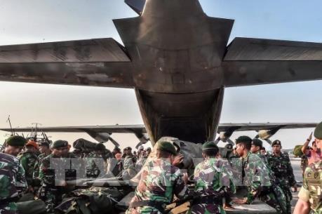 Indonesia chuyển lượng lớn hàng cứu trợ nạn nhân động đất sóng thần