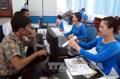 Ga Sài Gòn phát số thứ tự mua vé tàu Tết Nguyên đán Kỷ Hợi