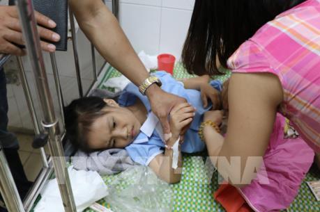 Công bố nguyên nhân vụ 352 học sinh tiểu học bị ngộ độc tại Ninh Bình