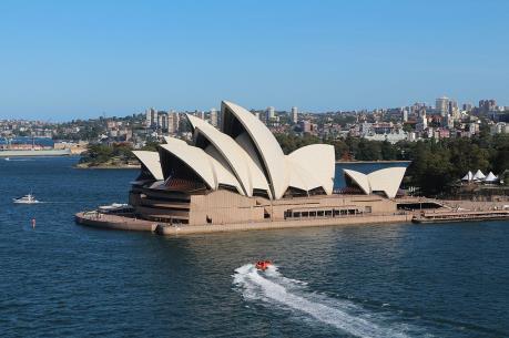 """Di sản nổi tiếng của Australia thành """"biển"""" quảng cáo cho cuộc đua ngựa"""