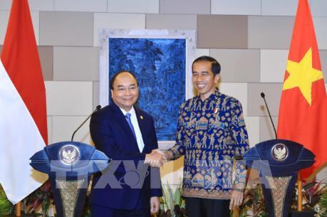 Thủ tướng Nguyễn Xuân Phúc và Tổng thống Indonesia nhất trí tạo đột phá mới