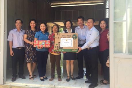 TTXVN đồng hành tài trợ xây nhà tình nghĩa tặng gia đình liệt sĩ