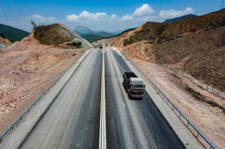 Cao tốc Hạ Long – Vân Đồn phải hoàn thành ngày 25/12