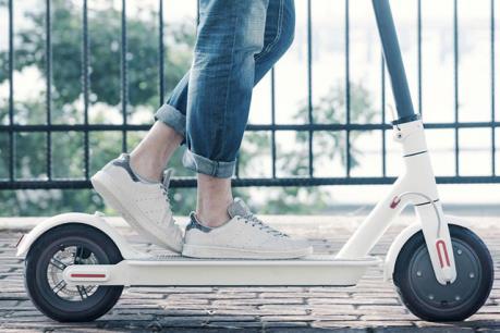 Cấm phương tiện đồ chơi gắn động cơ điện tham gia giao thông
