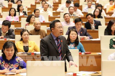 Chủ tịch Quốc hội đề nghị sửa ngay quy định phản cảm, gây bức xúc trong xã hội