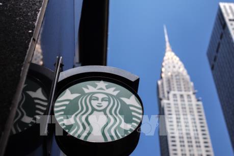 Starbucks cấm sử dụng cốc dùng nhiều lần