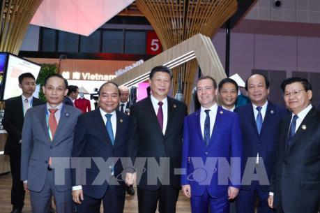 Thủ tướng Nguyễn Xuân Phúc dự khai mạc Hội chợ nhập khẩu quốc tế Trung Quốc