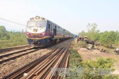 Áp dụng công nghệ để giám sát chặt an toàn giao thông đường sắt