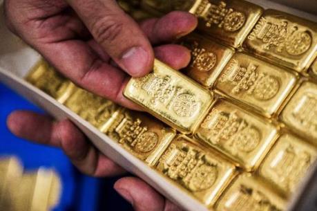 Giá vàng châu Á giảm, đồng USD mạnh lên phiên 8/11