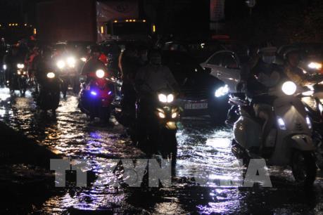 TP Hồ Chí Minh: Triều cường đạt báo động 3 gây ngập úng nhiều nơi