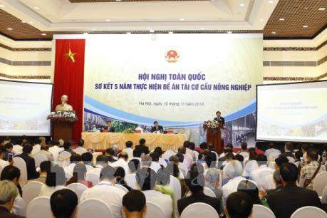 Phó Thủ tướng Trịnh Đình Dũng: Tái cơ cấu để xây dựng nông nghiệp thông minh hiện đại