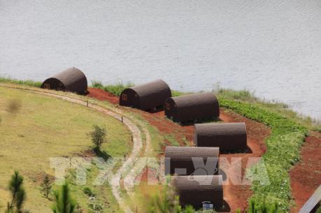 19 căn nhà gỗ phá vỡ cảnh quan Hồ Tuyền Lâm, Đà Lạt