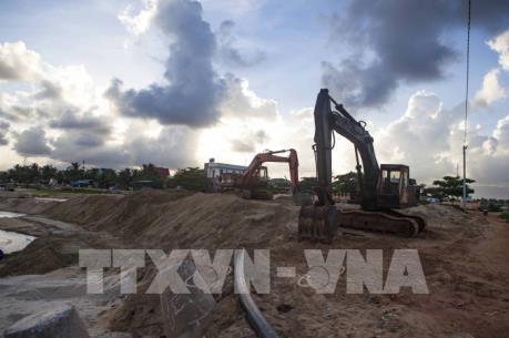 Cửa biển Tam Quan bị bồi lấp nghiêm trọng, lượng tàu về giảm 50%
