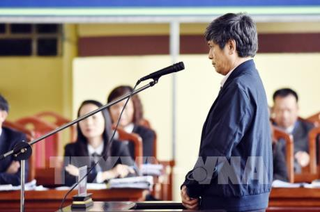Vụ đánh bạc nghìn tỷ qua mạng: Bị cáo Nguyễn Thanh Hóa đối chất về biển tên mang tên mình