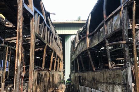 Hai xe khách bị thiêu rụi tại bến xe Trung tâm thành phố Đà Nẵng