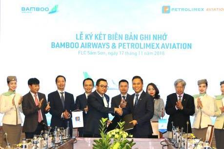 """Petrolimex Aviation và Bamboo Airways """"bắt tay"""" hợp tác"""