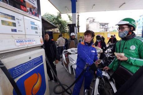 Quỹ bình ổn giá xăng dầu của Petrolimex tăng lần thứ 17 liên tiếp