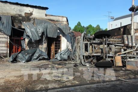 Nguyên nhân vụ cháy xe bồn chở xăng dầu làm 6 người chết ở Bình Phước