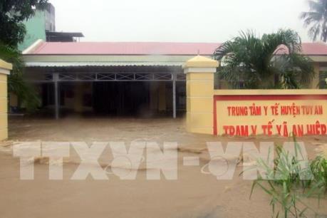 Phú Yên: Nhiều địa phương bị cô lập sau mưa lớn