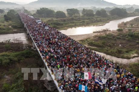 Mỹ và Mexico cam kết giải quyết vấn đề người di cư