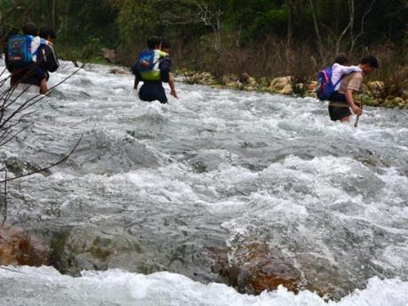 Phản hồi TTXVN: Quảng Ngãi đề nghị bổ sung danh mục xây dựng cầu dân sinh