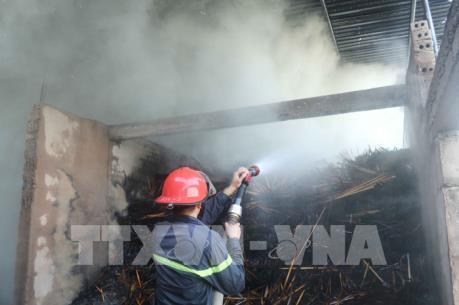 Hỏa hoạn thiêu rụi nhà xưởng và nhà kho Công ty sản xuất tăm tre
