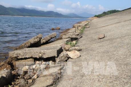 Hồ Kẻ Gỗ có dấu hiệu xuống cấp, nguy cơ gây mất an toàn