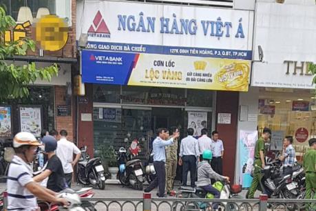 Điều tra nghi vấn vụ cướp tại chi nhánh Ngân hàng Việt Á