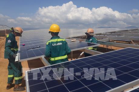 Xây dựng cơ cấu năng lượng thông qua phát triển năng lượng tái tạo