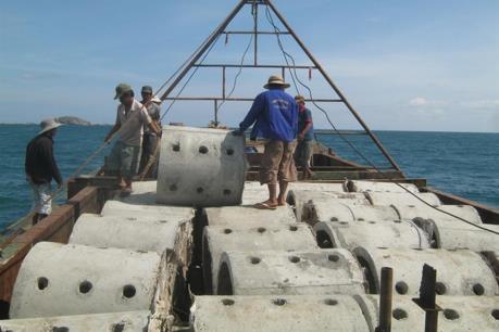 Thái Lan hỗ trợ Kiên Giang thả rạn nhân tạo khôi phục nguồn lợi thủy sản