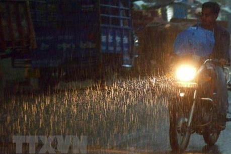 Dự báo thời tiết ngày mai 11/12: Hà Nội mưa rào, thấp nhất 13 độ C