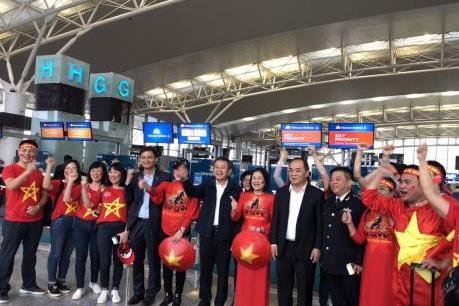 Vietnam Airlines tăng hơn 3.700 chỗ phục vụ người hâm mộ AFF Cup