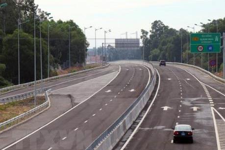 Đường dẫn cao tốc Đà Nẵng - Quảng Ngãi sụt lún nghiêm trọng