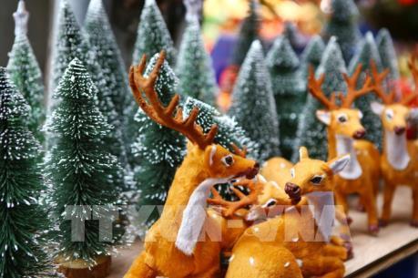 Nhộn nhịp thị trường mùa Giáng sinh 2018