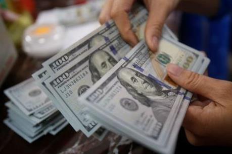 Bắt giữ nữ phóng viên nhận 70.000 USD của doanh nghiệp