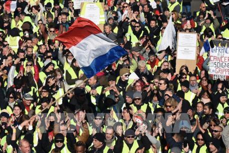 """Cảnh sát Pháp được tăng lương sau cuộc biểu tình """"Áo vàng"""""""