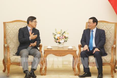 Phó Thủ tướng: Tạo thuận lợi cho Samsung xây dựng Việt Nam thành cứ điểm toàn cầu