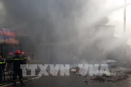 Đã biết nguyên nhân vụ cháy xưởng gỗ ở Đồng Nai
