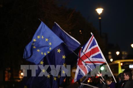 Gần 1.000 tỷ USD tài sản có nguy cơ chuyển từ Anh sang EU